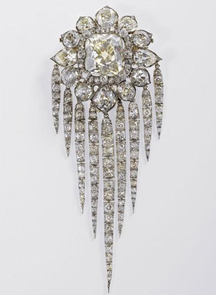 29512-jubileu-queen-victorias-fringe-brooch-1856