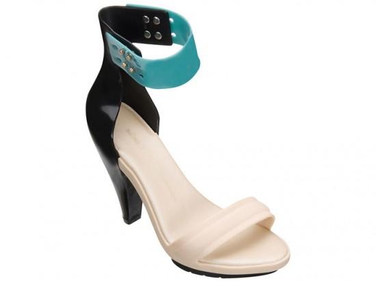 Combinação de cores em blocos no sapato - bem no estilo Pedro Lourenço (R$ 189,90)