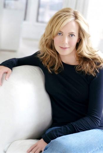 """Lauren Weisberger, autora de """"O Diabo Veste Prada"""", planeja sequência do livro"""
