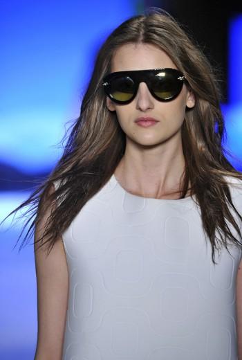 45ca9e3e5daa7 Pro verão  os melhores óculos do SPFW e Fashion Rio - Lilian Pacce
