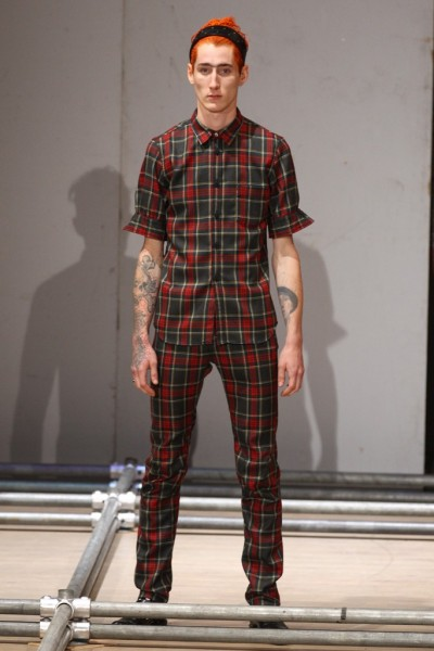 02612-semana-de-moda-masculina-primavera-verao-2013-paris-comme-des-garcons-34