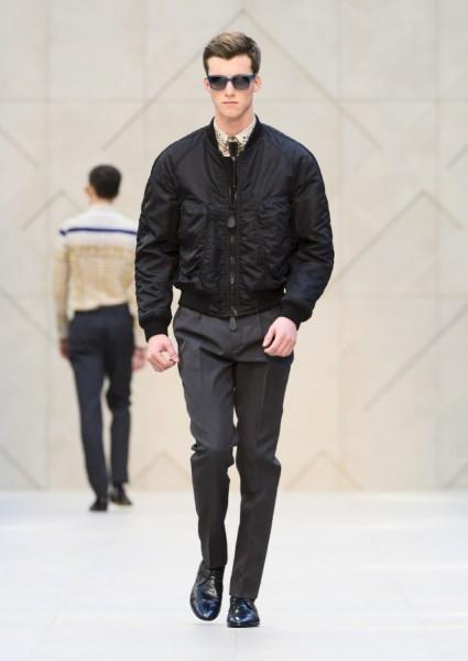 04612-tendencias-semanas-de-moda-masculina-burberry-jaqueta-bomber