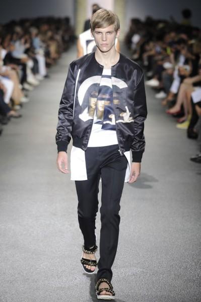 04612-tendencias-semanas-de-moda-masculina-givenchy-sandalia