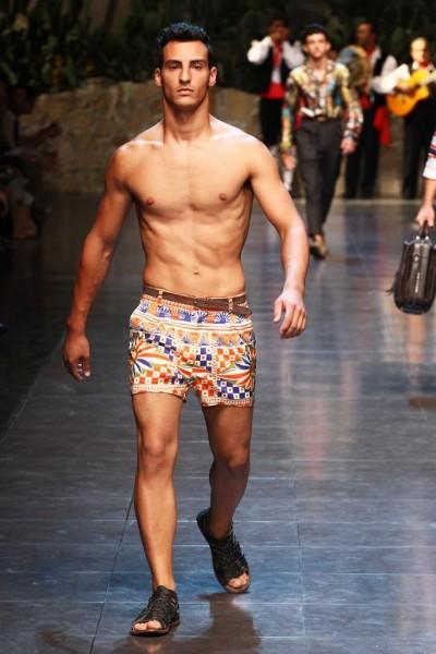 04612-tendencias-semanas-de-moda-masculina-shortinho-dolce-e-gabbana