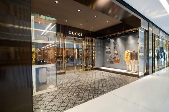19626cc673a16 A 1ª loja masculina da Gucci no Brasil fica no shopping JK Iguatemi Próxima  Ver mais fotos