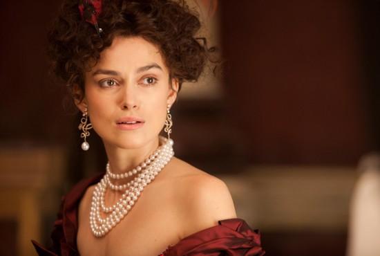 "Keira Knightley usa joias Chanel em ""Anna Karenina"""