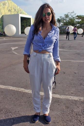 Rosana Rodini com calça de alfaiataria de cintura alta