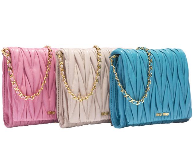 10417b8e09c37 As bolsas da Miu Miu pro fim de ano já estão à venda! - Lilian Pacce