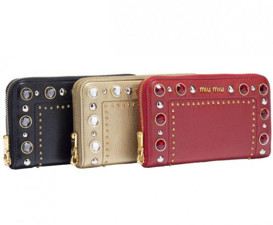 3809b4a42cb57 As bolsas da Miu Miu pro fim de ano já estão à venda! - Lilian Pacce