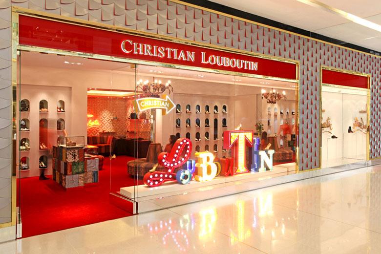 09a1c0ab14f Louboutin inaugura loja com espaço masculino no JK