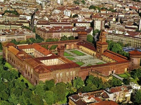 Panorâmica do Castello Sforzesco, um dos cenários da Semana de Moda de Milão