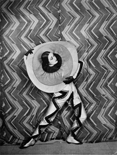 """O filme """"Le P'tit Parigot"""", de 1926, usou esse design de Sonia Delaunay"""