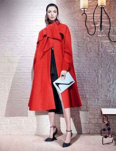 Mariacarla Boscono pra Dior - e olha a clutch com as ilustrações do Andy Warhol!