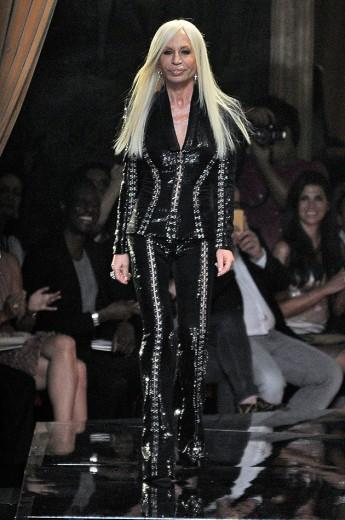 A história dos Versace vai virar minissérie! Sabe quem vai interpretar a Donatella?
