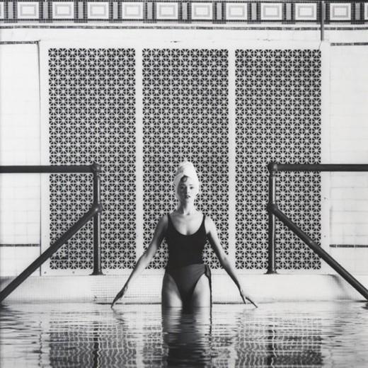 """Essa foto foi feita pra """"Vogue"""" Itália, em 1984. E aqui a gente te mostra mais, clica!"""