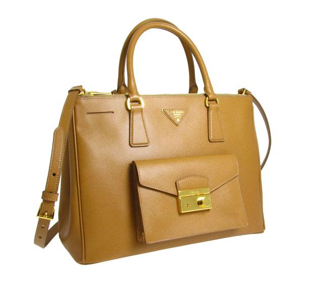 53aee3e52765d Vem ver as novas bolsas da Prada e da Miu Miu! - Lilian Pacce