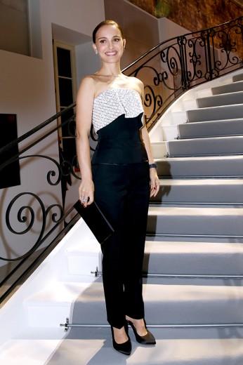 """Natalie Portman na festa de inauguração da """"Espirit Dior"""""""