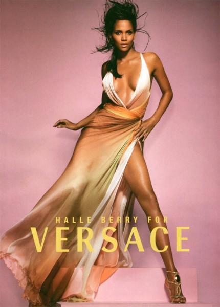 21113-versace-halle-berry-2009
