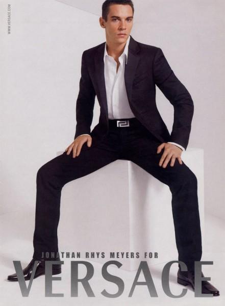21113-versace-jonathan-rhys-meyers-2007