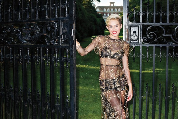 271113-hbz-sept2013-miley-cyrus-gown-valentino-couture
