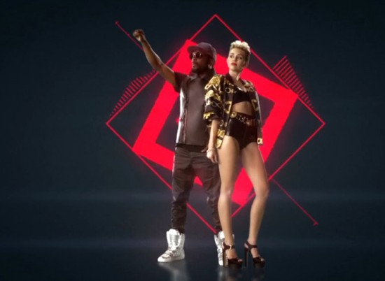 """Miley Cyrus e Will.i.am em """"Feelin' Myself"""""""