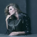 100114-gisele-making-of-vuitton-2