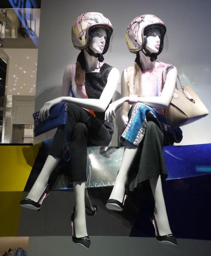 Na Dior, motociclistas: quem não quer esse capacete?