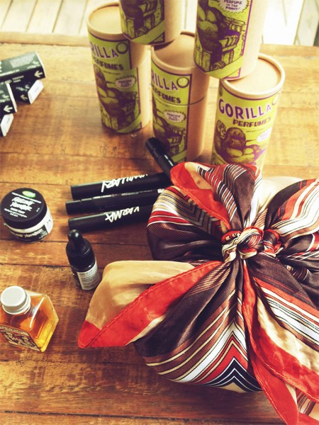 50614-lush-perfumes-make