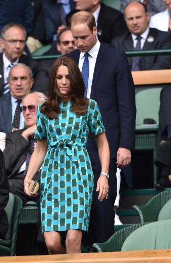 O príncipe William e Kate Middleton, de vestido Jonathan Saunder, passaram por Wimbledon - clica pra conferir mais!