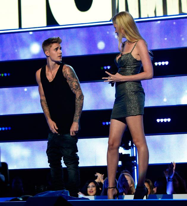 """Justin Bieber em: """"Não há nada entre mim e minha Calvin ..."""