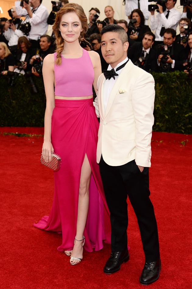 Versace No Tapete Vermelho : arrasa no tapete vermelho. Aqui a atriz com Thakoon no baile do Met