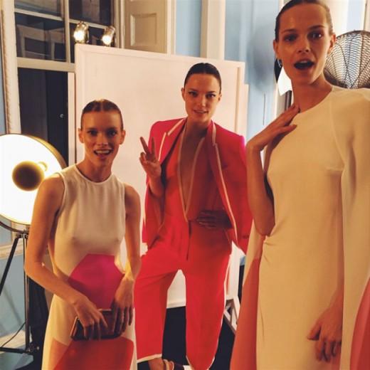 Modelos com os looks da coleção especial da Stella no evento de lançamento em Londres. Vem ver mais peças!