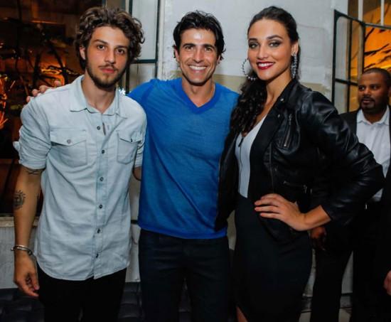 Chay Suede, Reynaldo Gianecchini e Débora Nascimento na festa da Calvin Klein! Vem ver mais fotos