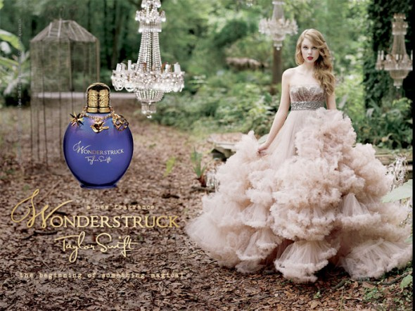 171214-perfumes-celebs-taylor-swift