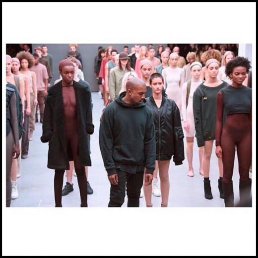 O tableau vivant de Kanye pra Adidas com Vanessa Beecroft