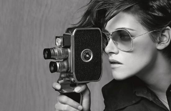 1b60988eafad9 Kristen Stewart agora nos óculos da Chanel - Lilian Pacce