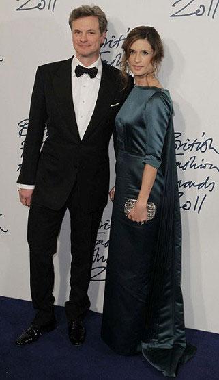 Colin Firth e a mulher, Livia, de vestido Henrietta Ludgate