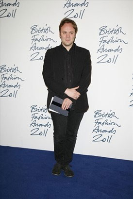 O designer de sapatos Nicholas Kirkwood