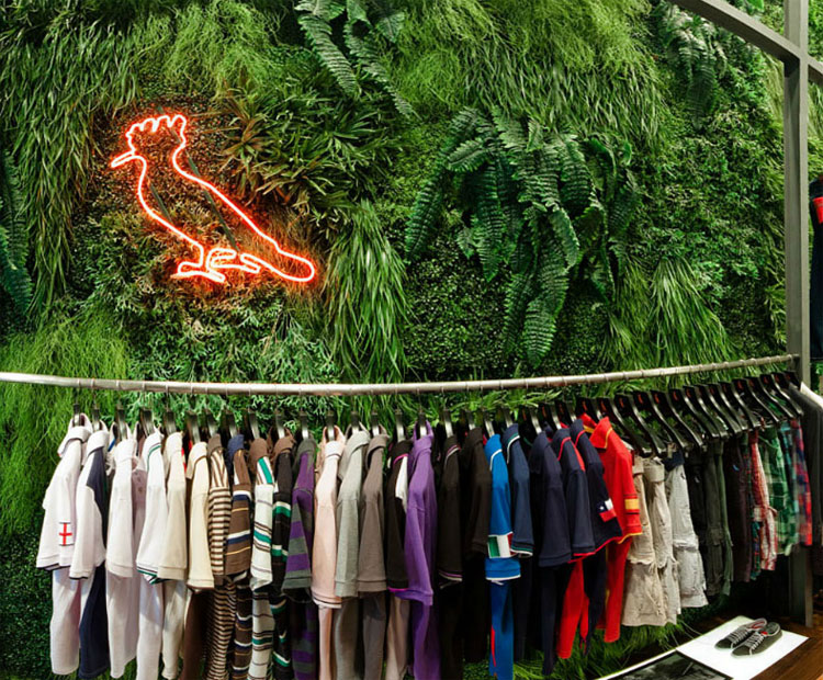 A Reserva foi criada em 2003 por Rony Meisler. É dos novos nomes fortes de moda masculina do Rio