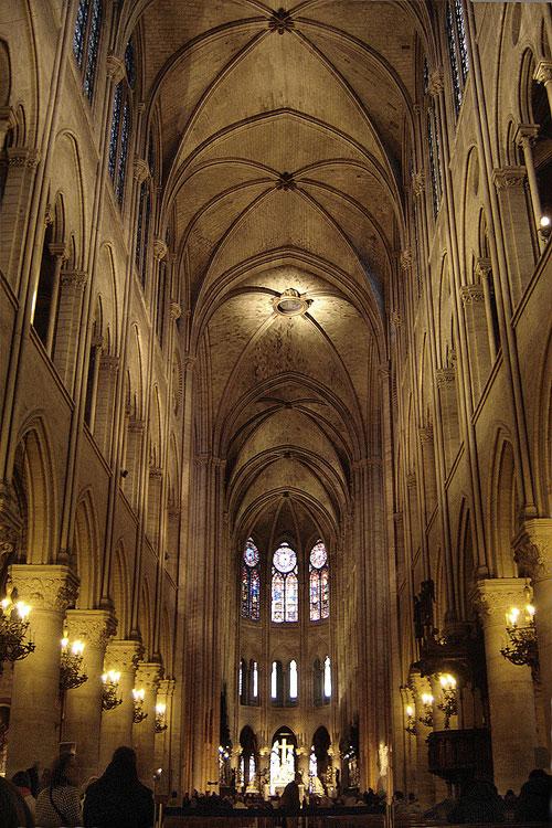 O interior da catedral