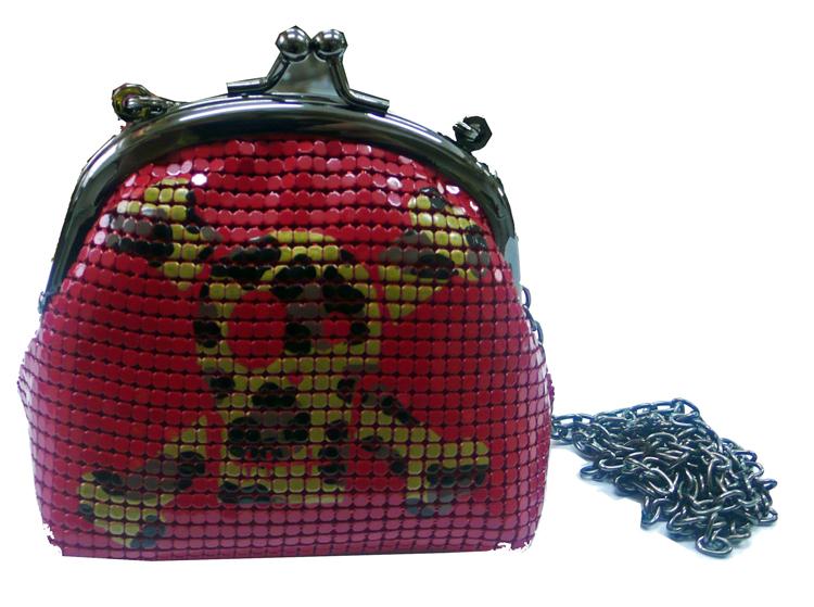 Bolsa Caveira (R$ 181,70)