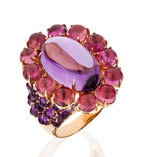 Anel Tani Jewels em ouro com ametistas e turmalinas rosas (R$ 9.995)