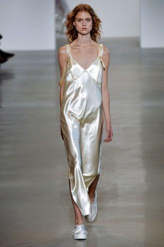 2ea9dd6a8d96b Calvin Klein Collection primavera-verão 2016 - Lilian Pacce