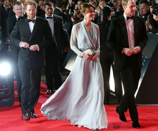 """Príncipe Harry, Kate Middleton e William chegam à pré-estreia de """"007 Contra Spectre"""" - veja mais!"""
