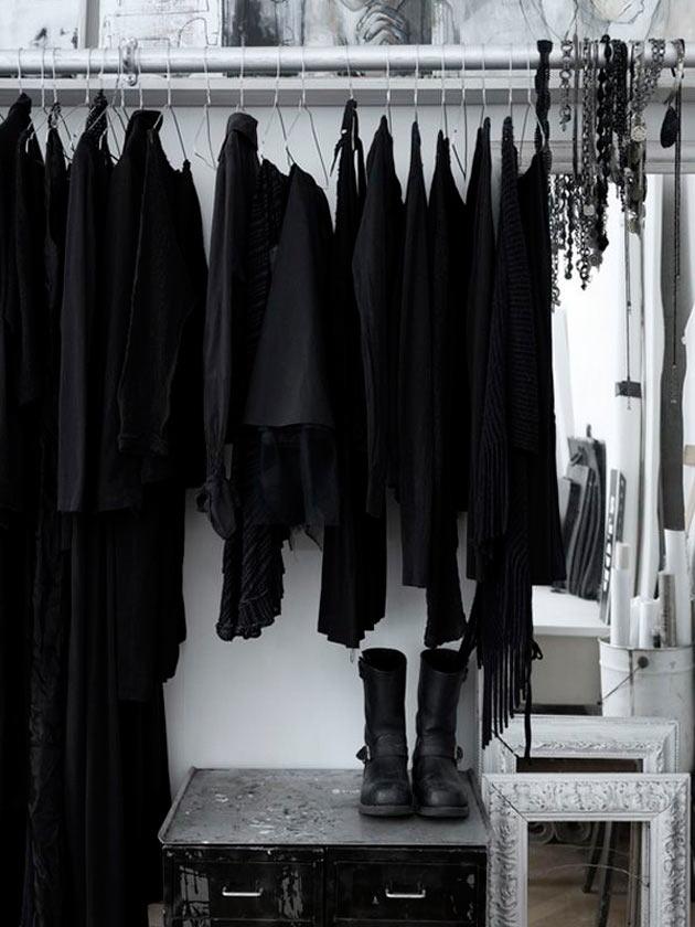 Dark closet online shop