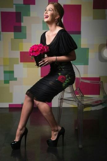 Marina Ruy Barbosa a bordo de um Dolce   Gabbana que foi avaliado em R  ccf98788e9