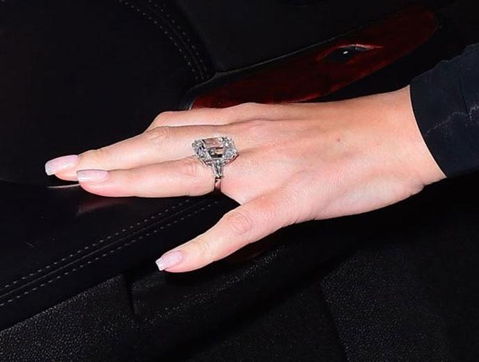 e3cae818c5a O anel de noivado da Mariah Carey