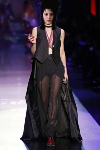 110216-tim-burton-fashion-16