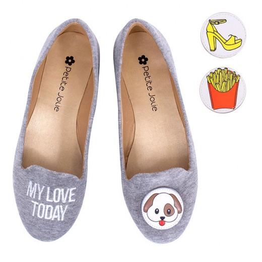 Olha só que fofa essa sapatilha da Petite Jolie - ela vem com esses bottons que dá pra trocar (R$ 99,90). Na nossa galeria tem mais opções!