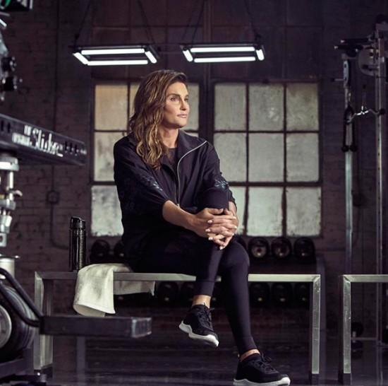 Caitlyn Jenner e H&M anunciaram com essa foto que ela é o novo rosto da campanha da linha esportiva da marca!